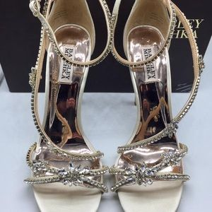 Badgley Mischka hodge strappy sandal